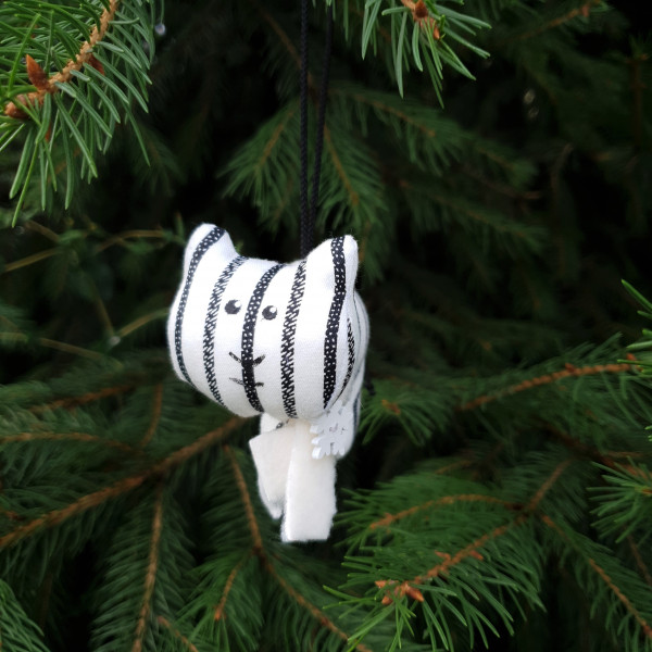 Игрушка елочная тигр в черно-белую полоску