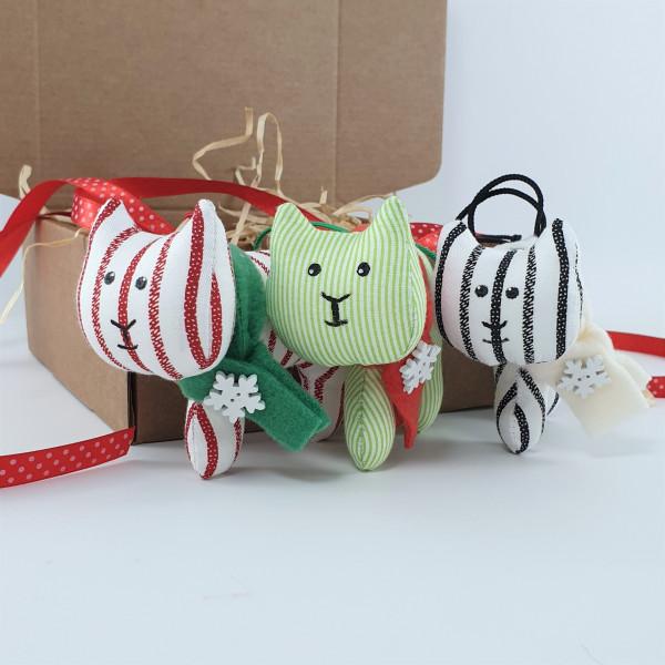 Набор из трех елочных игрушек тигров